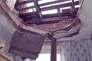В Харьковской области на ребенка обрушилась стена