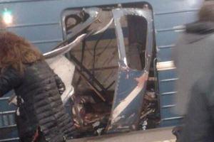 В метро Санкт-Петербурга прогремели два взрыва: много жертв