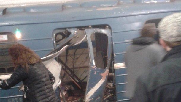 Размещено фото предполагаемого террориста, устроившего взрыв вПетербурге