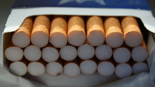 Укрупнейшего табачного дистрибьютора Украинского государства арестовали счета и продукт на млрд