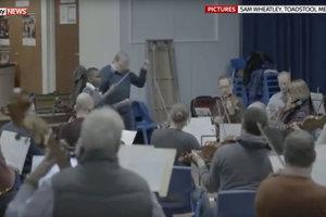 11-летнему школьнику доверили дирижировать оркестром из 75 человек