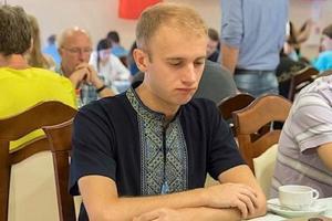 Дисквалифицированный за вышиванку шашист подал в суд на международную федерацию
