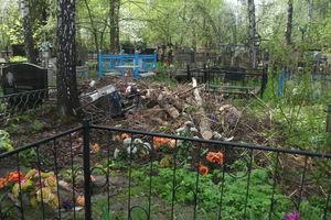 В Киеве коммунальщики устроят масштабную уборку на кладбищах: где и когда будут убирать мусор