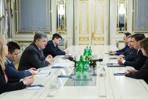 Порошенко обсудил с делегацией Европарламента перспективы завершения ратификации Соглашения об ассоциации Украина-ЕС