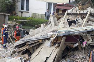 Число жертв обвалившегося жилого дома в Польше возросло