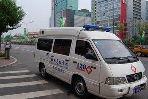 В Китае перевернулся автобус с туристами: есть жертвы