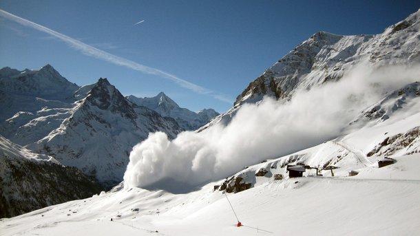ВВанкувере при обрушении снежного карниза погибли как минимум четырех туристов