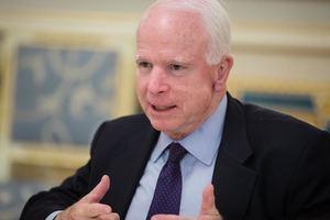 Маккейн заявил, что Трамп несет ответственность за химическую атаку в Сирии