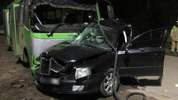 Дорожная авария вБалаклее: погибли 2 иранены 13 человек
