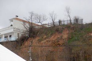 В Одессе в прибрежной зоне обвалилась часть склона