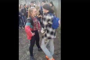 """""""Организованная банда со своим уставом"""": появились новые детали избиения школьниц в Чернигове"""