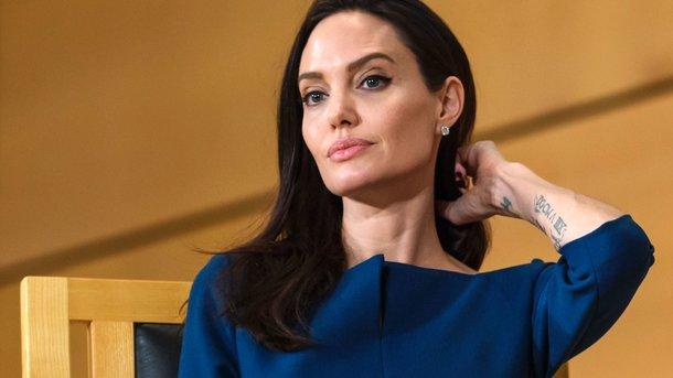 Вот так поворот: Анджелина Джоли собралась замуж