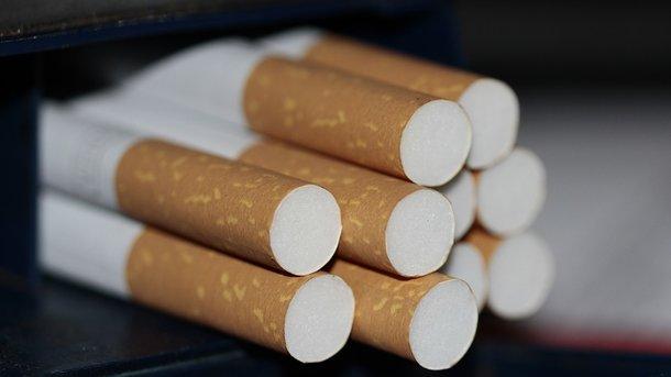 Впочтовом отделении Одессы обнаружили партию сигарет начетверть млн. грн