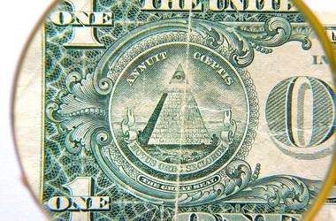 Курс доллара к Пасхе замедлил падение