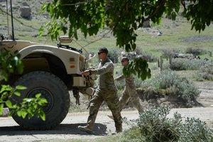 В Афганистане погибли 10 человек, подорвавшись на мине
