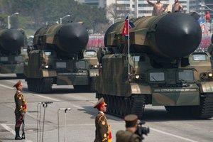КНДР показала способные ударить по США межконтинентальные ракеты