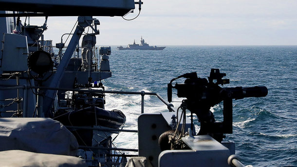 Британский фрегат сопроводит русские корабли, проходящие через Ла-Манш