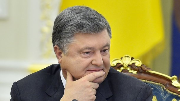 Порошенко поздравил украинцев спраздником Пасхи