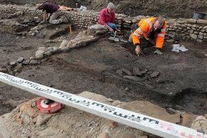Археологи нашли останки средневекового священника, убитого тупым предметом