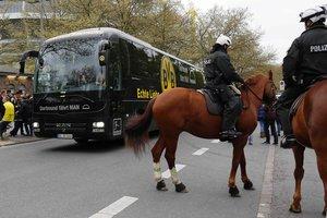 """От взрыва бомбы секундами ранее мог пострадать весь автобус """"Боруссии"""" - полиция"""