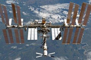 МКС хотят превратить в космический отель для туристов