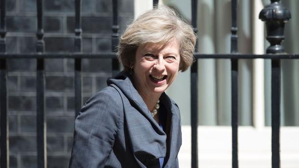 Английские законодатели поддержали досрочные выборы ссамого начала июня