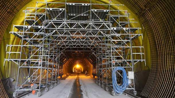 Тоннель через Карпаты откроют внынешнем году — Омелян