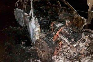 В Ровенской области дотла сгорела BMW