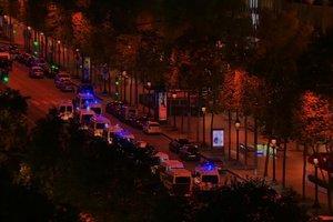 В центре Парижа в перестрелке погиб полицейский, еще один ранен