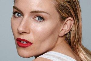 35-летняя Сиенна Миллер поражает естественной красотой