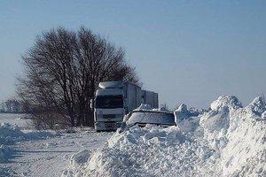 В Одессе из-за непогоды приостановили движение грузовиков на участке дороге Одеса-Любашевка