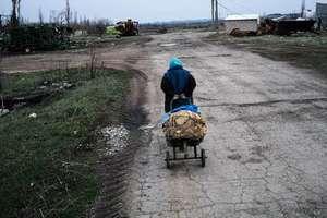 На Донбассе образовались огромные очереди