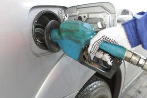 В Украине быстро дорожает бензин