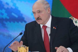 """Лукашенко обиделся, что в России белорусов называют """"нахлебниками"""""""