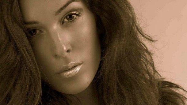 «Мисс Италия» впервый раз показала изувеченное кислотой лицо
