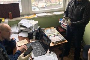 В Одессе полицейский подрабатывал вымогательством