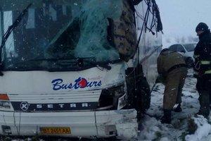 Жуткое ДТП: рейсовый автобус Setra столкнулся с грузовиком в Николаевской области