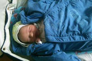 Полиция Киева разыскивают мать, которая оставила в вагоне электрички младенца