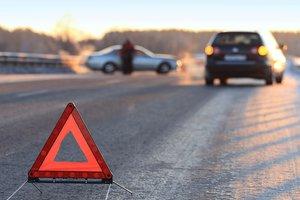 Три человека погибли в ДТП с участием микроавтобуса в Запорожской области