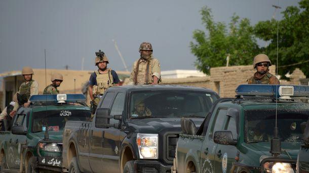 В Афганистане при атаке боевиков на военную базу погибли более 50 человек