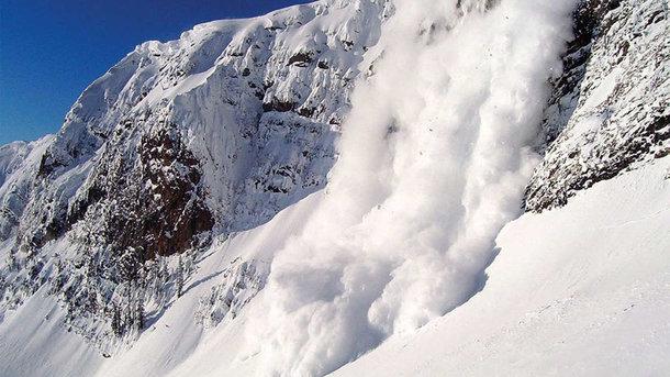 При сходе лавины вРумынии погибли двое молодых людей