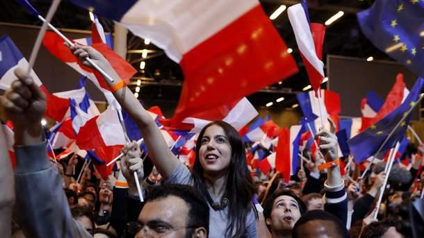 ЛеПен отдала голос навыборах президента Франции