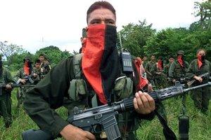В Колумбии россиянин сбежал из плена, ранив пятерых охранников