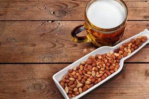 Пиво и арахис помогут восстановиться после тренировки