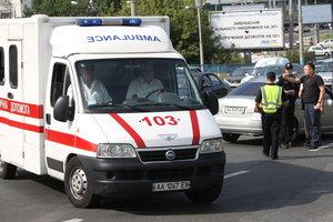 В Киеве 19-летний парень пытался впечатлить девушку и случайно ее подстрелил