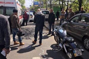 В Киеве байкер сбил пешехода-нарушителя