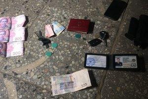 Во Львове на взятке поймали работника полиции