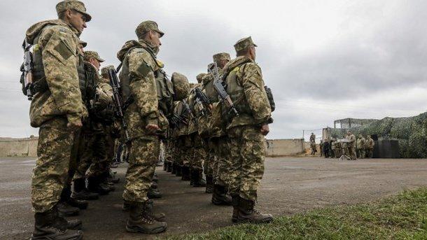 Украинская армия готова квозможному введению военного положения
