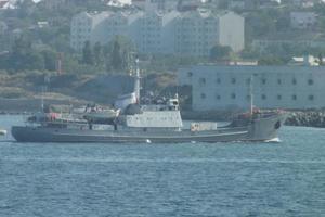 Столкновение в Черном море: российский корабль пошел на дно