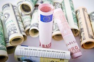 НБУ отказался отменять сразу все валютные ограничения